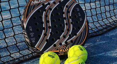 Ta din Padel till nya nivåer med ett nytt padelracket ifrån välkända varumärken